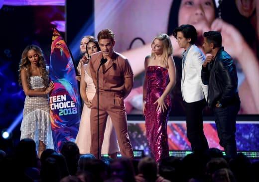 Riverdale Cast Accepts Teen Choice Award