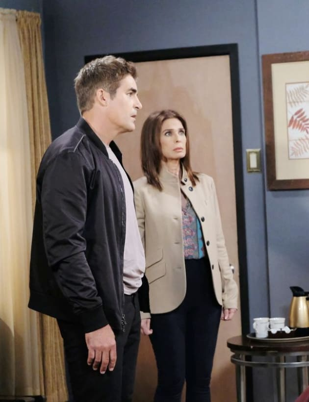 Getting Involved With a Mess - Days of Our Lives