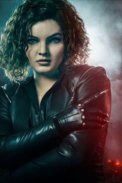 Selina Kyle Takes A Bow - Gotham