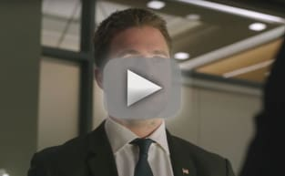 Arrow Promo: The FBI Closes In On Oliver!