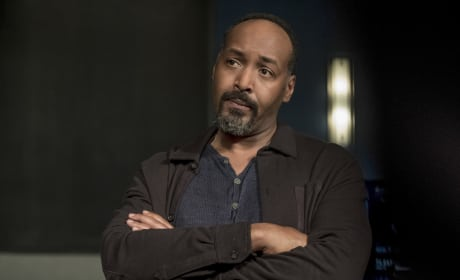 Joe West Does Not Approve - The Flash Season 4 Episode 3
