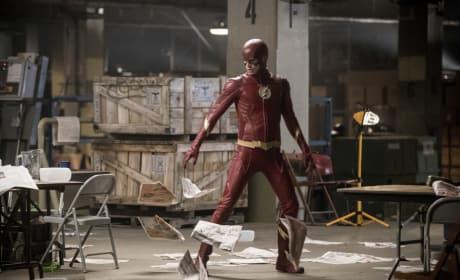 Flash In Action - Arrow Season 6 Episode 8