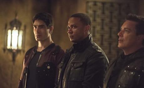 More Answers Please - Arrow Season 3 Episode 22