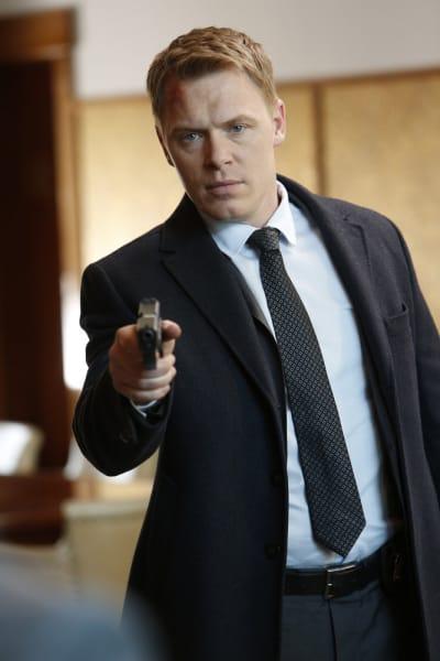 Ressler has a gun - The Blacklist Season 4 Episode 19