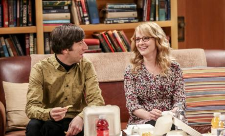 Enjoying Time With Friends - The Big Bang Theory Season 10 Episode 18