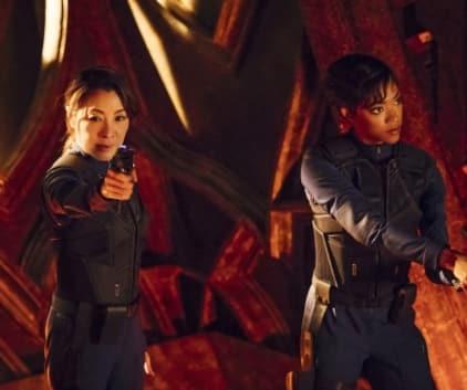 Weapons Drawn - Star Trek: Discovery Season 1 Episode 2