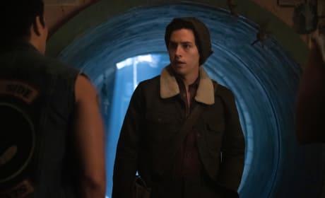 Burying The Secret - Riverdale Season 3 Episode 11