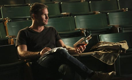 A Drink in Class? - The Vampire Diaries Season 6 Episode 5