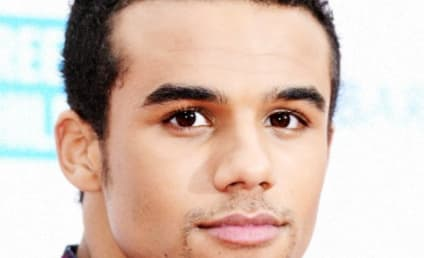 Glee Vet Jacob Artist Joins The Arrangement Season 2
