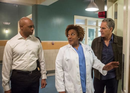 Looking for Evidence - NCIS: New Orleans Season 4 Episode 15
