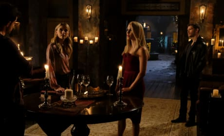 A Reunion - The Originals Season 5 Episode 8