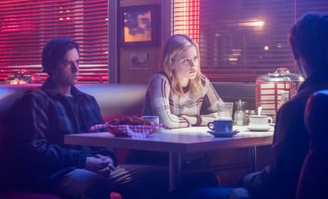 Complicated Relationships - Riverdale Season 2 Episode 14
