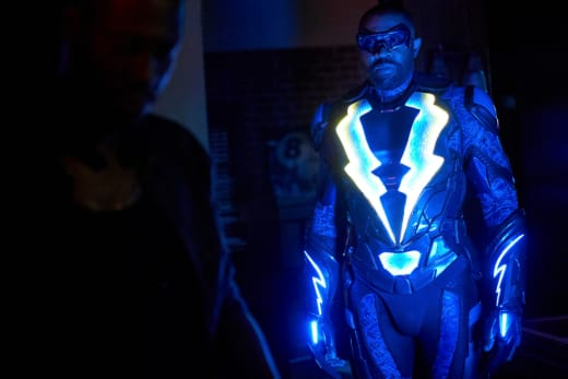Clinic Investigation - Black Lightning Season 2 Episode 5