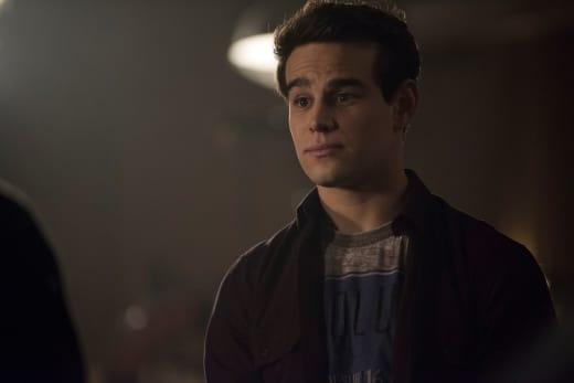Simon The Vampire Instructor - Shadowhunters Season 2 Episode 17