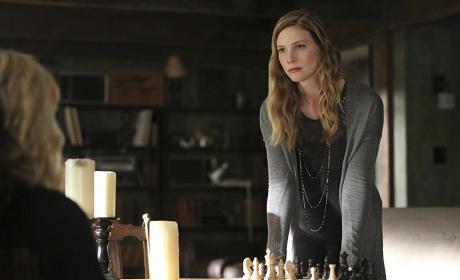 Valerie vs. Caroline - The Vampire Diaries Season 7 Episode 3