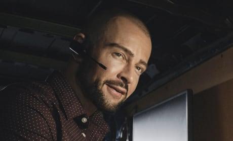 Aaron Wright Returns - Hawaii Five-0