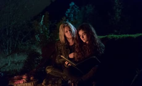 Clarke and Madi - The 100