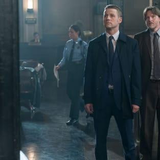 Standing Up - Gotham