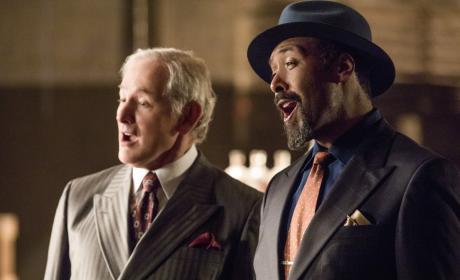 Sing it, boys! - The Flash Season 3 Episode 17