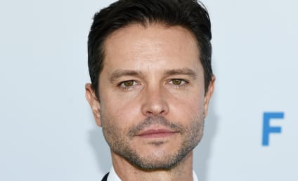 Roswell, New Mexico Adds Original Series Star Jason Behr in 'Top Secret' Role
