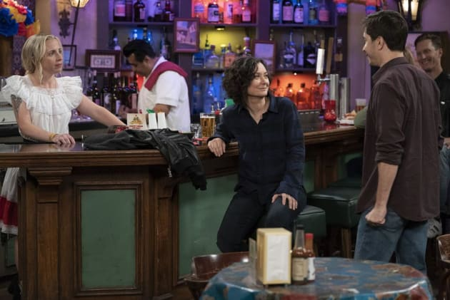Darlene Meets Someone - The Conners Season 1 Episode 2