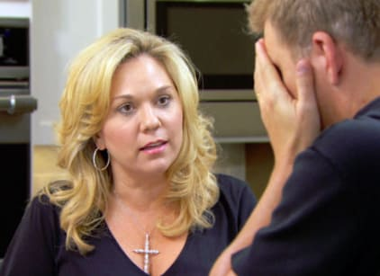 Watch Chrisley Knows Best Season 4 Episode 18 Online