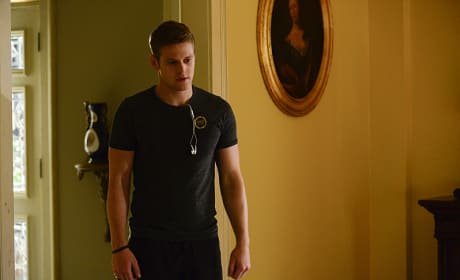 Sweaty Matt Donovan - The Vampire Diaries Season 6 Episode 1