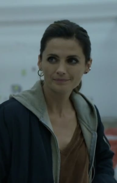 Getting Her Life Back - Absentia Season 2 Episode 1