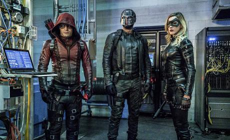 """Arrow Photos from """"Unchained"""""""