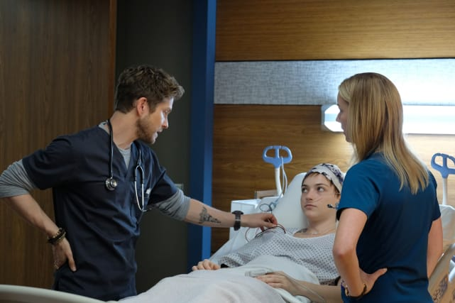 We Got You - The Resident Season 1 Episode 4