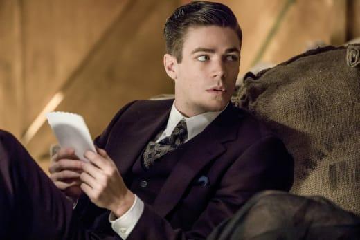 Study the script! - The Flash Season 3 Episode 17
