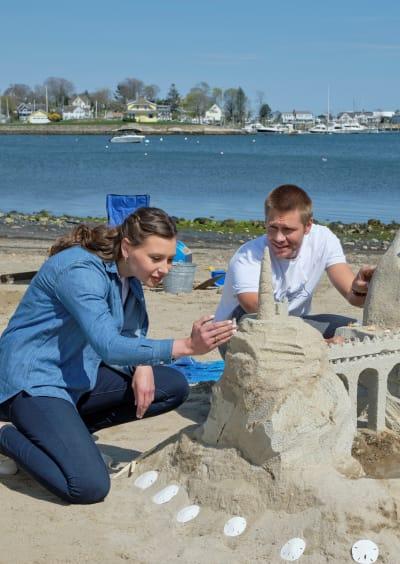 Elli and Brodi Build a Dream Castle