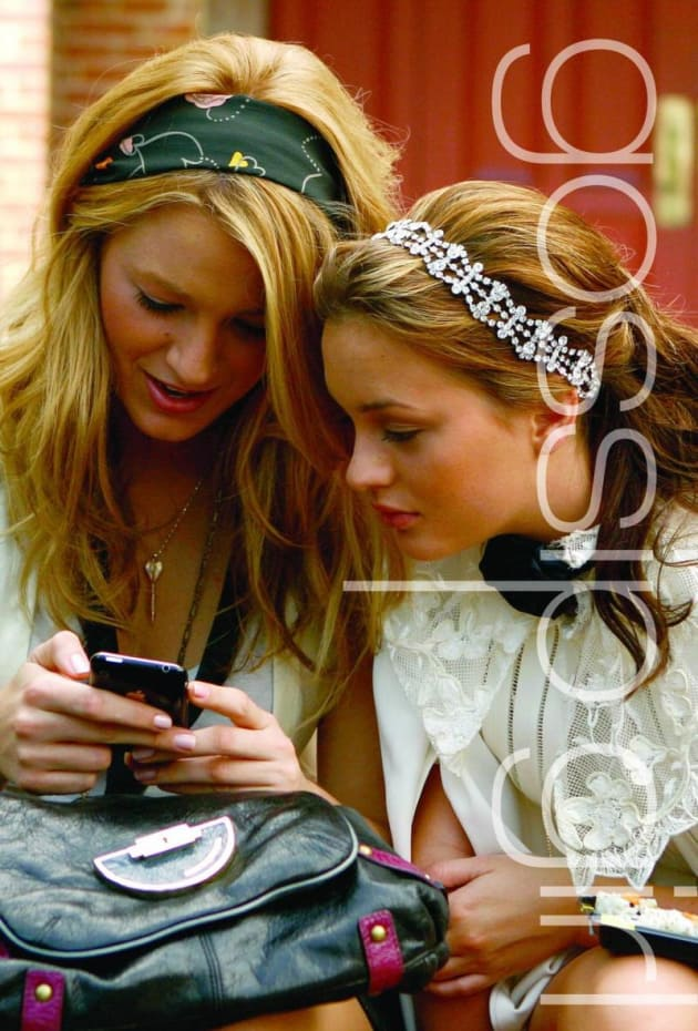 gossip girl book 1 The notorious, best-selling 'gossip girl' series laid bare the titillating, too-much-too-soon world of private-school manhattan but what will happen now that its creator is moving on to new obsessions.
