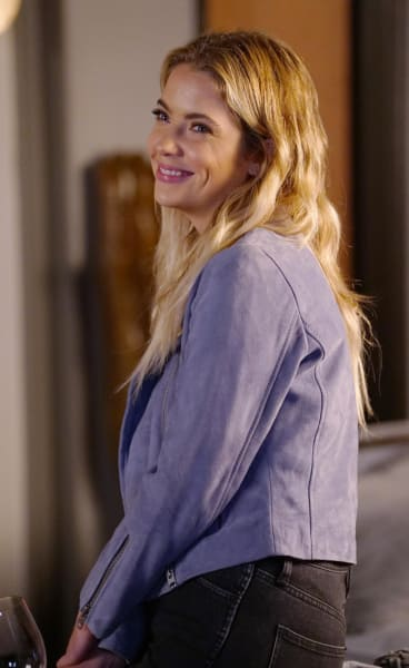 Hanna Is Engaged - Pretty Little Liars Season 7 Episode 17