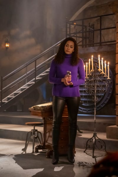 Macy Vaughn - Charmed (2018) Season 3 Episode 5 - Charmed (2018)