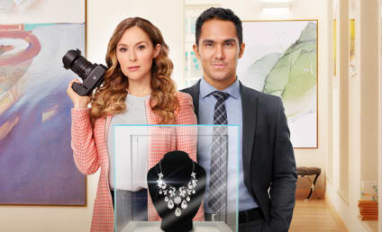 Interview: Alexa and Carlos PenaVega are Back with More Picture Perfect Mysteries!