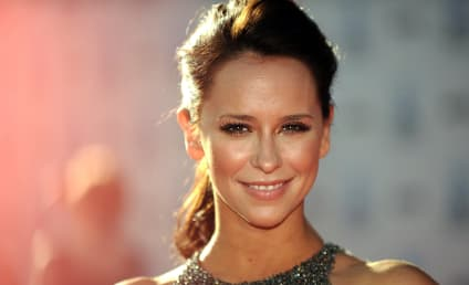 9-1-1 Season 2: Jennifer Love Hewitt Joins Fox Drama as Series Regular!!