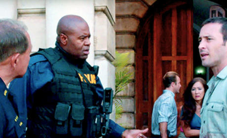 Alex O'Loughlin and Chi McBride Photo