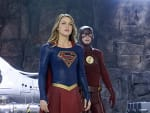 Supergirl and The Flash Team Up! - Supergirl Season 1 Episode 18