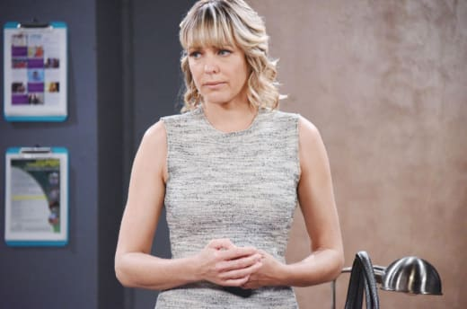 Nicole Slinks Out of Town - Days of Our Lives