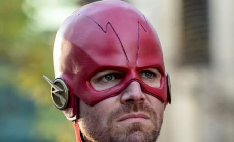 Oliver as Barry as The Flash - Arrow Season 7 Episode 9