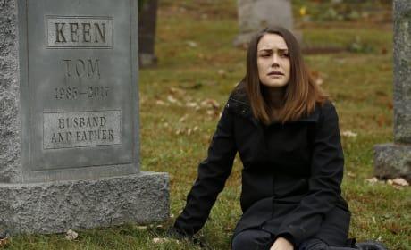 Talking to Her Love - The Blacklist Season 5 Episode 9