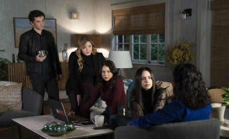 Group Effort  - PLL: The Perfectionists Season 1 Episode 10