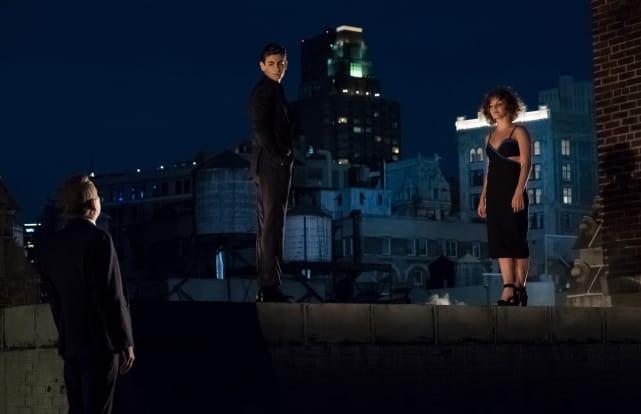 Bruce Can Balance Too - Gotham Season 4 Episode 1