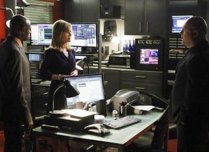 Watch No Ordinary Family Season 1 Episode 9 Online
