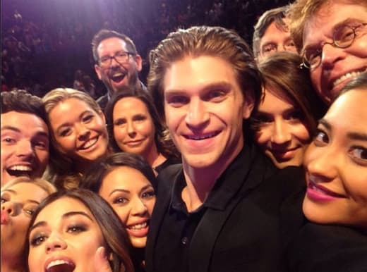 Pretty Little Liars Selfie