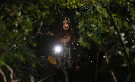 Aria's On the Case - Pretty Little Liars Season 5 Episode 20