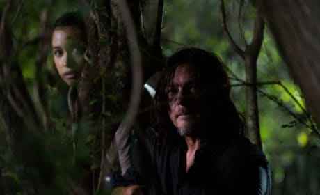 Hiding Out - The Walking Dead Season 8 Episode 8