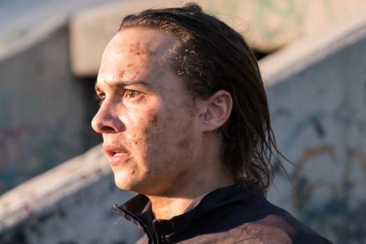 Daylight - Fear the Walking Dead Season 3 Episode 1