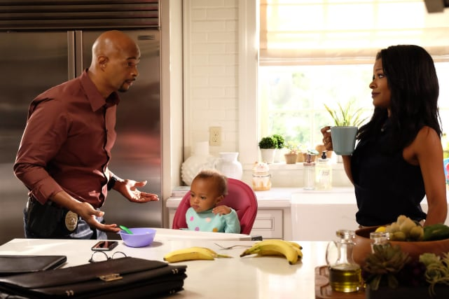Happy Family - Lethal Weapon Season 1 Episode 11